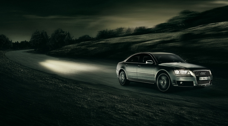 Advertising templates - Competition attribute - Audi - faster than light